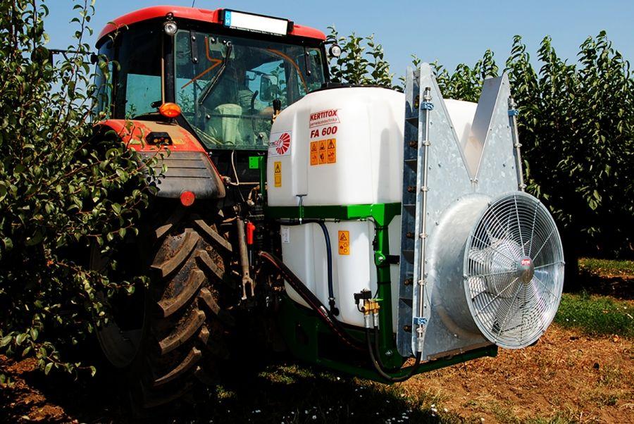 KERTITOX Bora FA függesztett ültetvényes  600 - 32D KÖR ALAKÚ VENTILÁTOR permetezőgép