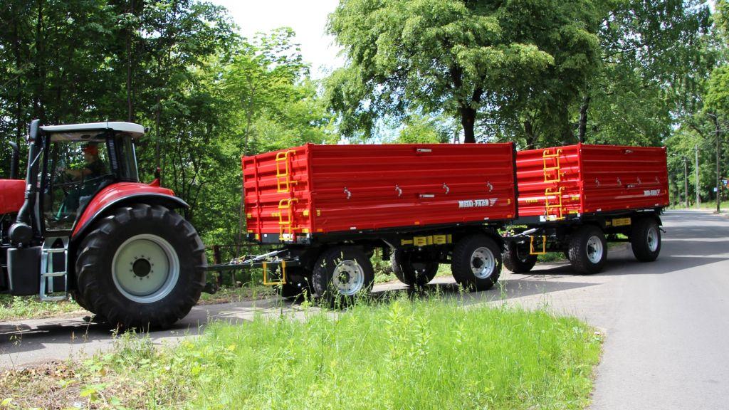 METAL-FACH T 711 mezőgazdasági  pótkocsi