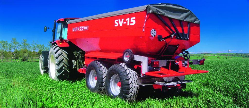 QUIVOGNE SV 15 nagyteljesítményű vontatott műtrágyaszóró