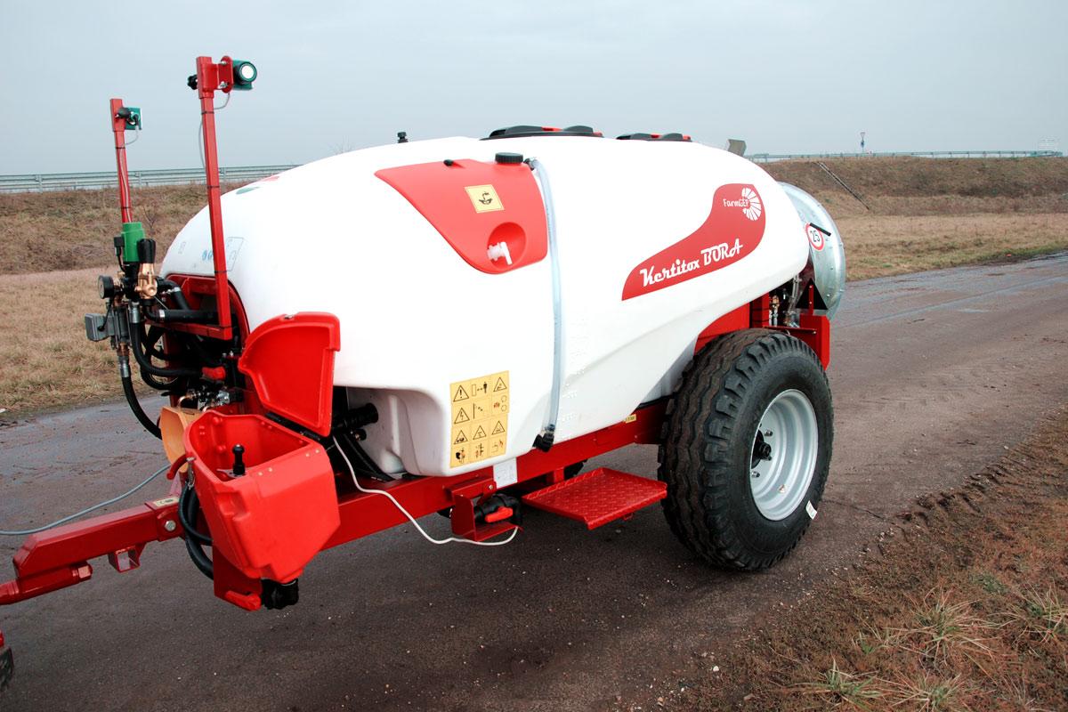 KERTITOX Bora 1000 /32 D vontatott gyümölcsös  permetezőgép